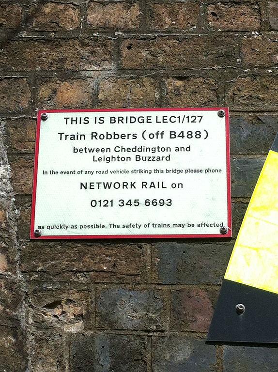 Train_Robbers_Bridge_Network_Rail_plaque