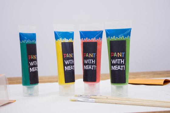 20131030024946-Meat-Paint-by-Ilse-Maessen-picture-Mitchel-_-NextNature-Lab