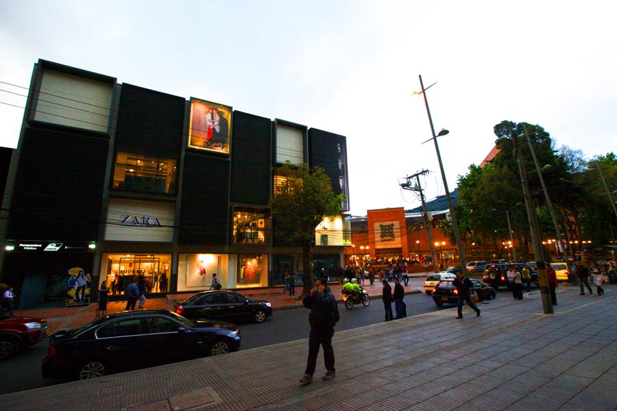 Zara en Bogotá. Fotografía: Jimmy Baikovicius (CC)