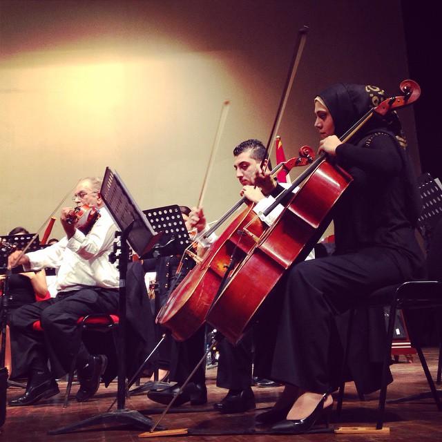La Orquesta Sinfónica  actúa en el Teatro Nacional durante el Día Internacional de la Paz. Badgad, foto de Ahmad Mousa