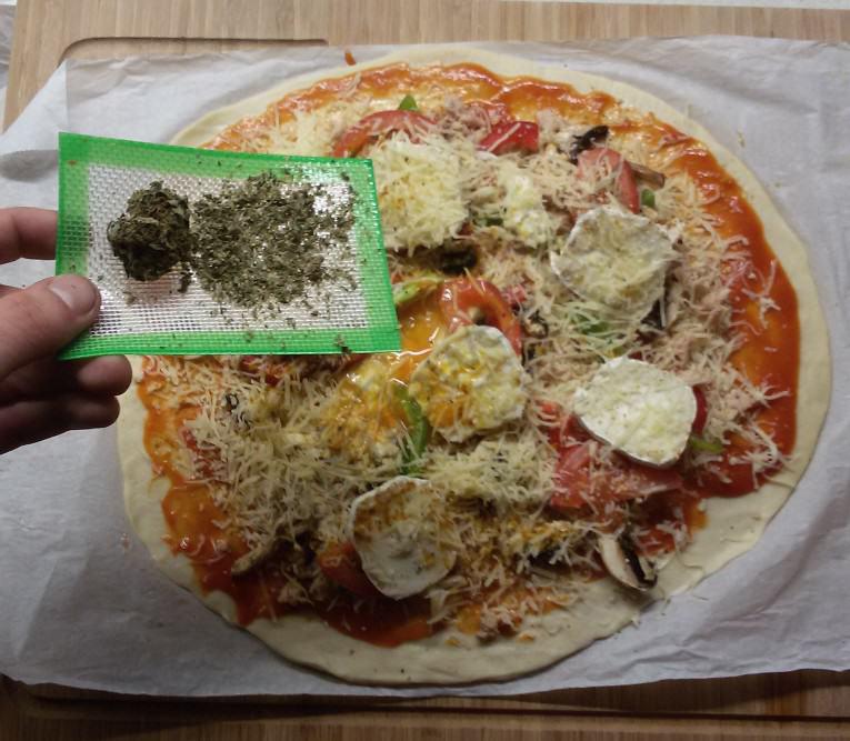 pizza-marihuana_alchimiawebCOM