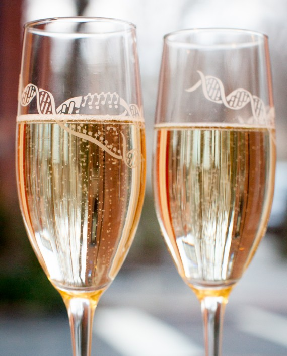 DNA-Champagne-Flutes-Pair-Close-Up-570x708