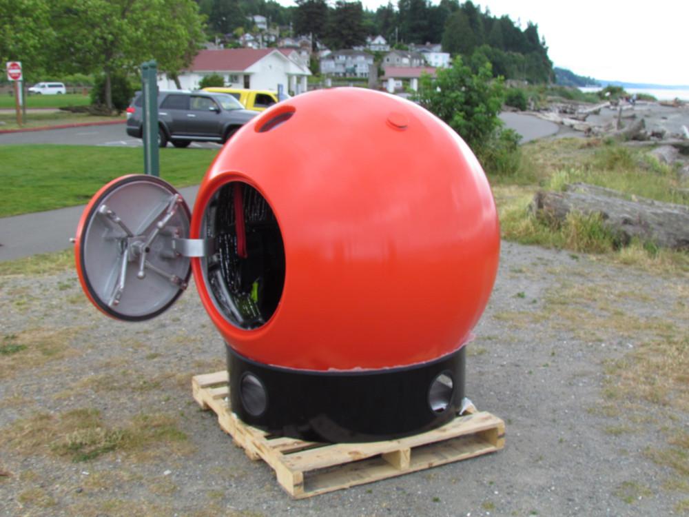 capsule-doorOpen