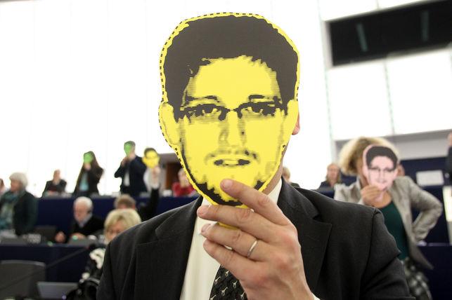 escandalo-Snowden-NSA-Safe-Harbor_EDIIMA20151125_0191_5