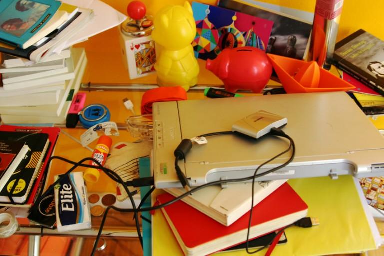 oficina doméstica desorden