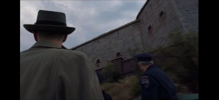Shutter Island. DiCaprio llegando al asilo. Imagen de New Deal Studios