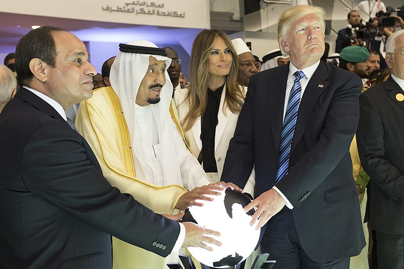 800px-abdel_fattah_el-sisi_king_salman_of_saudi_arabia_melania_trump_and_donald_trump_may_2017