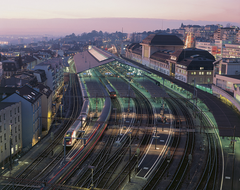 Evening light over the main railway station of Lausanne in Canton Vaud. Copyright by Switzerland Tourism By-line: swiss-image.ch/Christof Sonderegger *** Local Caption *** 65P Lausanne, Bahnhof Signature: Christof Sonderegger Library: Tourismus_Schweiz Credit: Switzerland Tourism