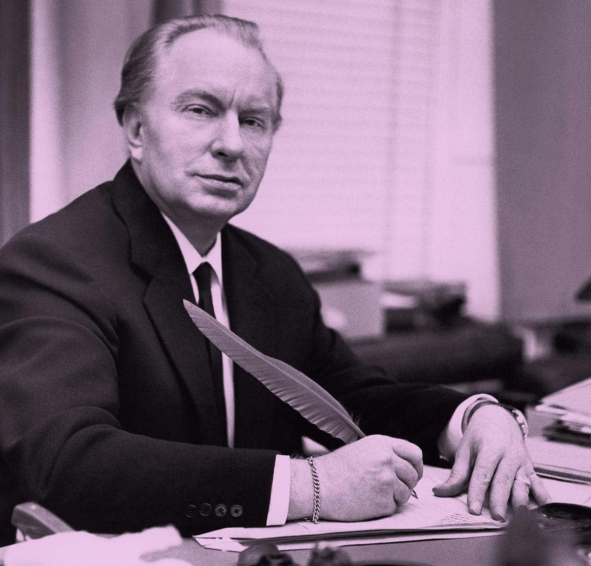 Ron Hubbard Líder De La Cienciología Decía Que Escribir