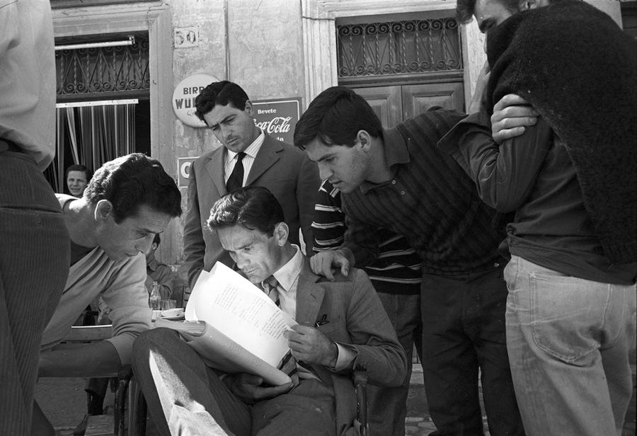 05 - Pasolini durant el rodatge d'Acatone