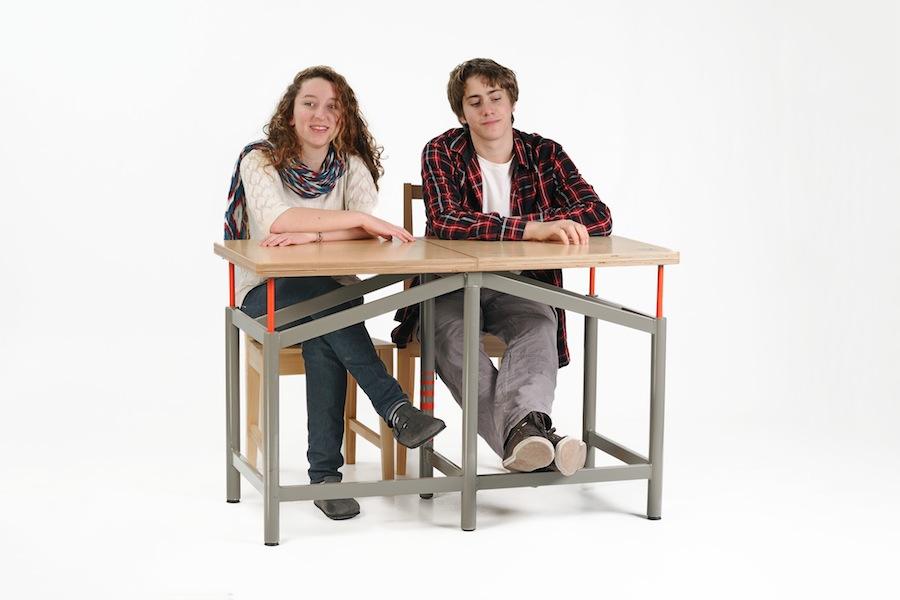 "02_Daily use of ""Earthquake Proof Table""_photographer-Tzur Kotzer"