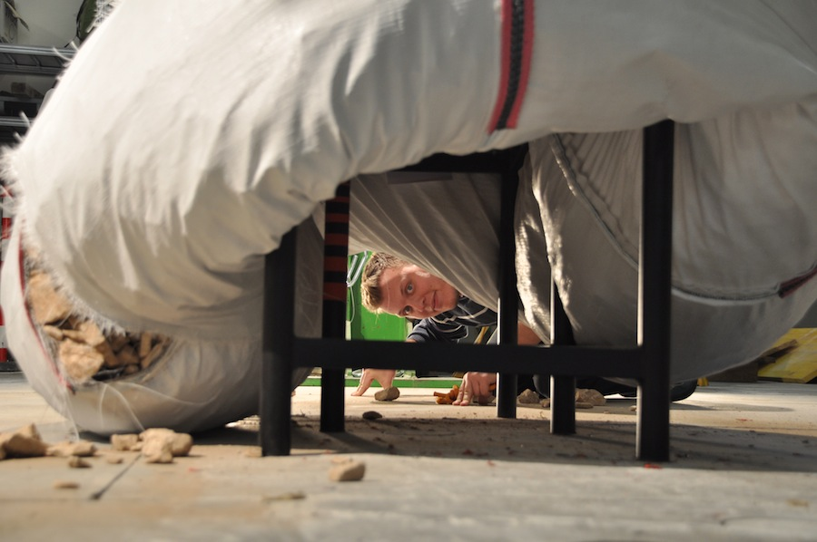 07_Arthur Brutter demonstrating rescue tunnel_photographer-Ido Bruno