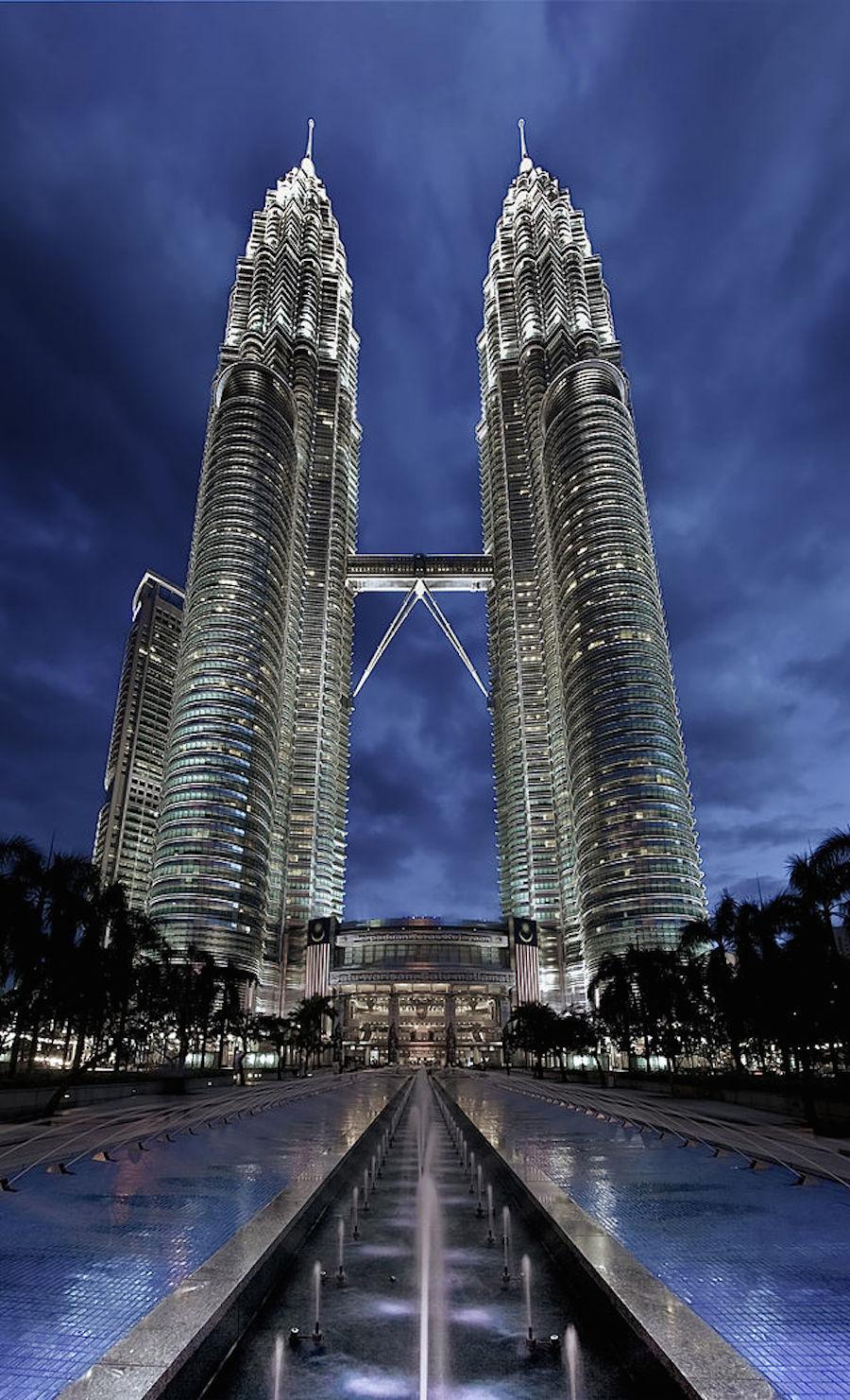 640px-Petronas_Panorama_II
