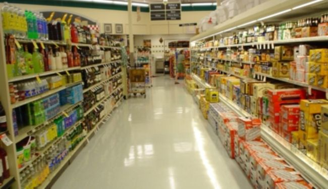 Supermarket_beer_and_wine_aisle