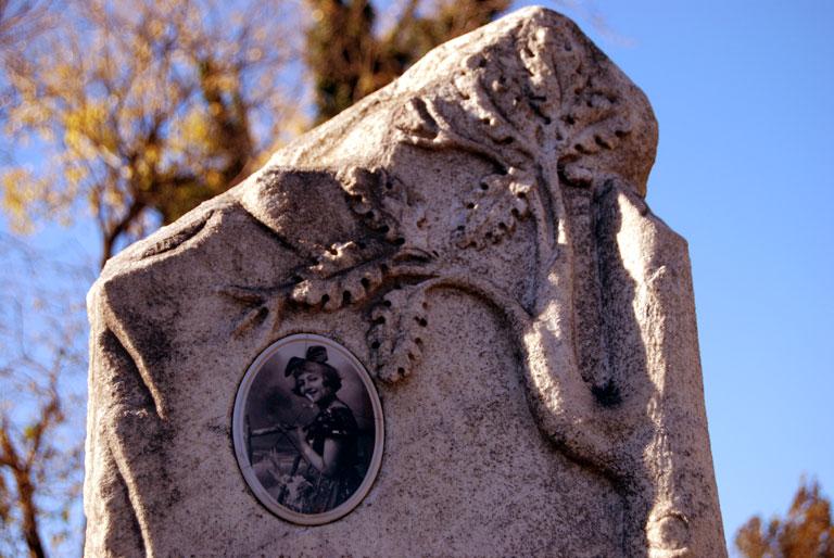 Lápida de la época austrohúngara