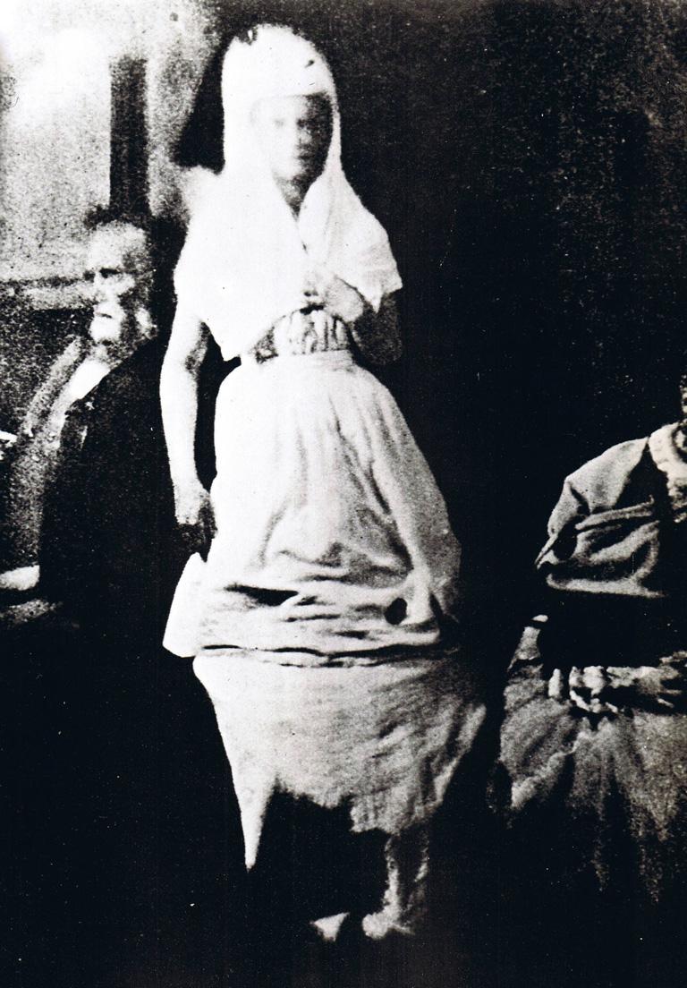 Katie King, un espíritu convocado por la medium Florence Cook, y a quien William Crookes otorgaba credibilidad hacia 1874