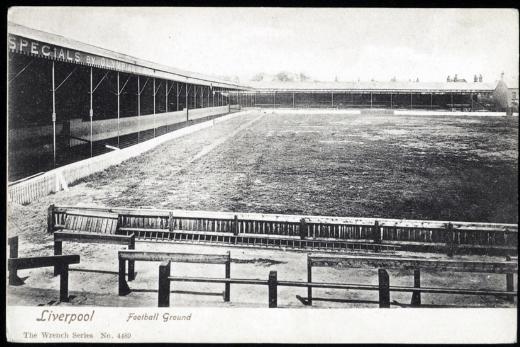 Anfield a principios del siglo XX, entre 1903 y 1906, desde The Kop. Vía Play Up Liverpool.