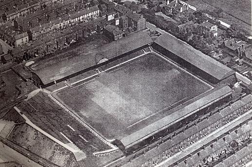 Anfield alrededor de 1906. Vía Play Up Liverpool.