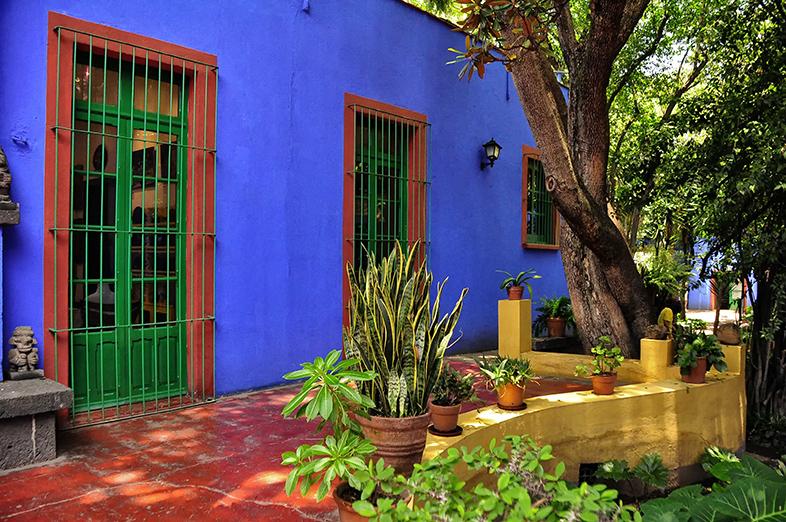 La Casa Azul, by Rod Waddington from Kergunyah, Australia - Frida Kahlo House, Mexico City, CC BY-SA 2.0