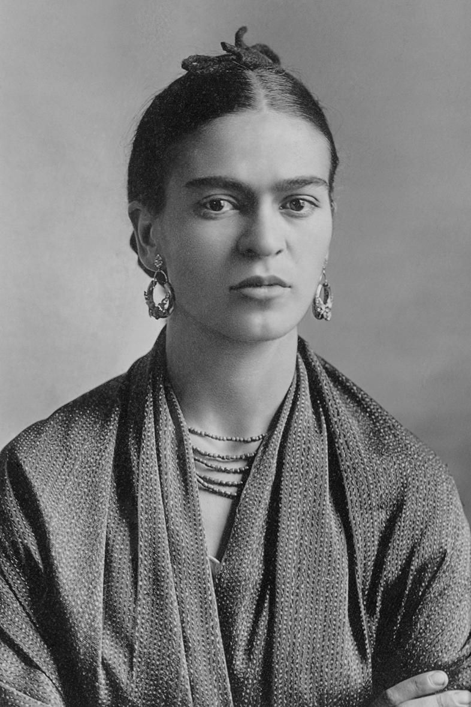 Frida Kahlo, por Guillermo Kahlo. *Oct. 16 / 1932
