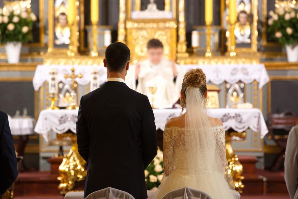 Matrimonio Catolico Con Un Ateo : Por qué deberías casarte y bautizarte y confirmarte aunque seas ateo