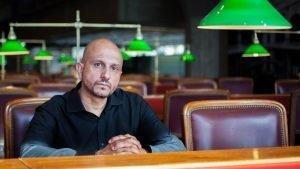 Jorge Carrión: «Las librerías que permitan que las personas se conozcan son las que tienen más futuro»