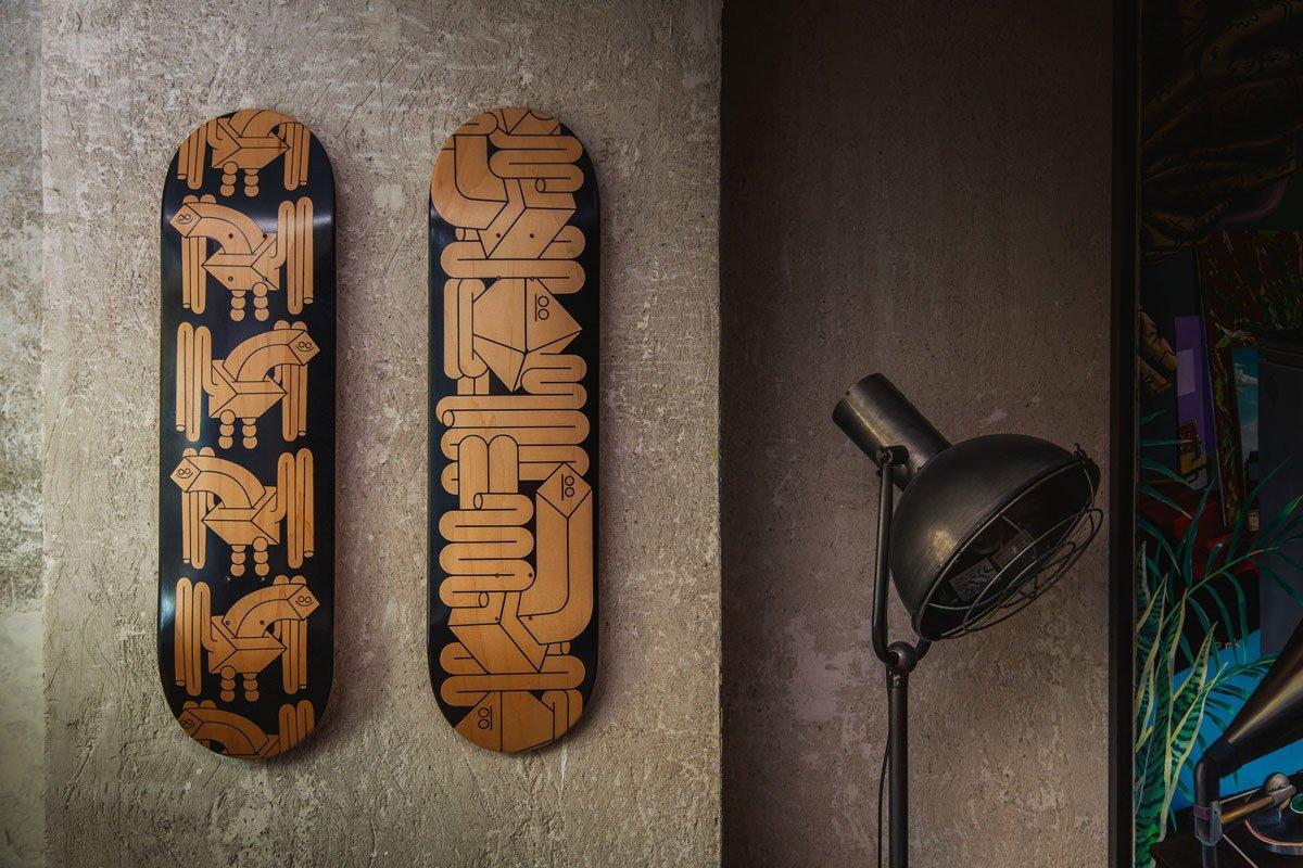 black-faes-skate